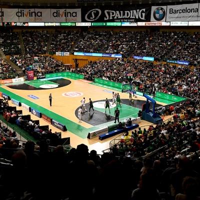 L'Olímpic ha presentat un gran ambient contra el Baskonia - David Grau