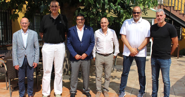 Foto dels representants dels Clubs ACB que disputaran la Lliga Catalana