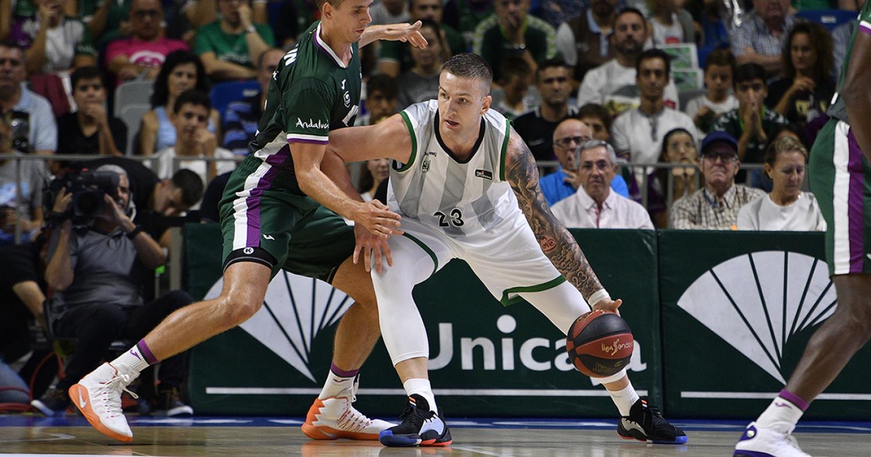 Alen Omic contra l'Unicaja / ACB Photo: G. Pozo