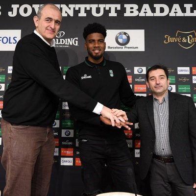 Shawn Dawson, con el presidente Juanan Morales y el director deportivo Jordi Martí
