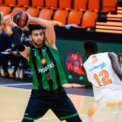 Kerem Kanter, contra el Baskonia / ACB Photo
