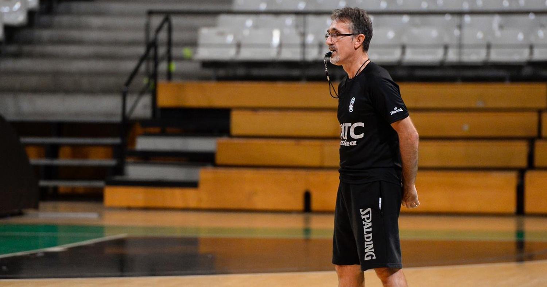 José Ángel Samaniego, durant un entrenament amb la Penya