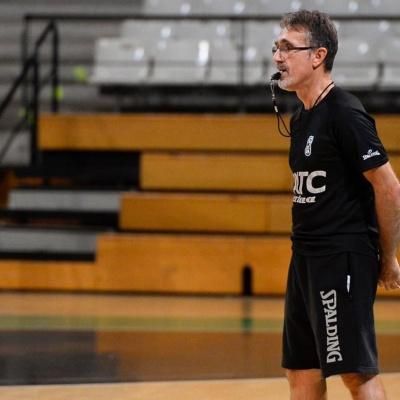José Ángel Samaniego, durante un entrenamiento con la Penya