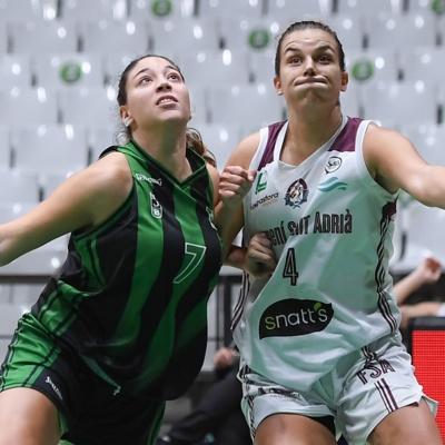 Tania Hurtado, en una acció de joc