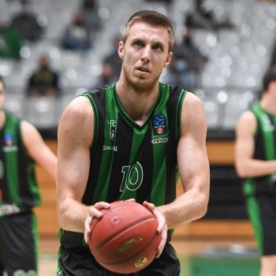 Vladimir Brodziasky, en un tir lliure