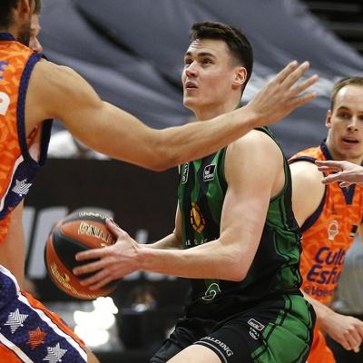 Neno Dimitrijevic, en una acción del partido / Miguel Ángel Polo - Valencia Basket