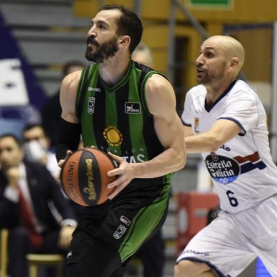 Pau Ribas, en una acció del partit / ACB Photo: A. Baúlde