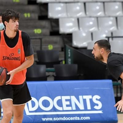 Pep Busquets, en un entrenament amb la Penya
