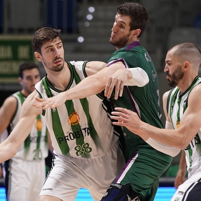 Ante Tomic, en una acció del partit / ACB Photo Mariano Pozo